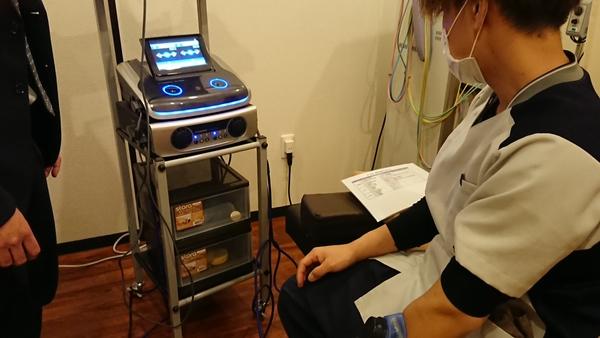 本日 埼玉県の整骨院様でES-5000のデモンストレーションをさせて頂きました。