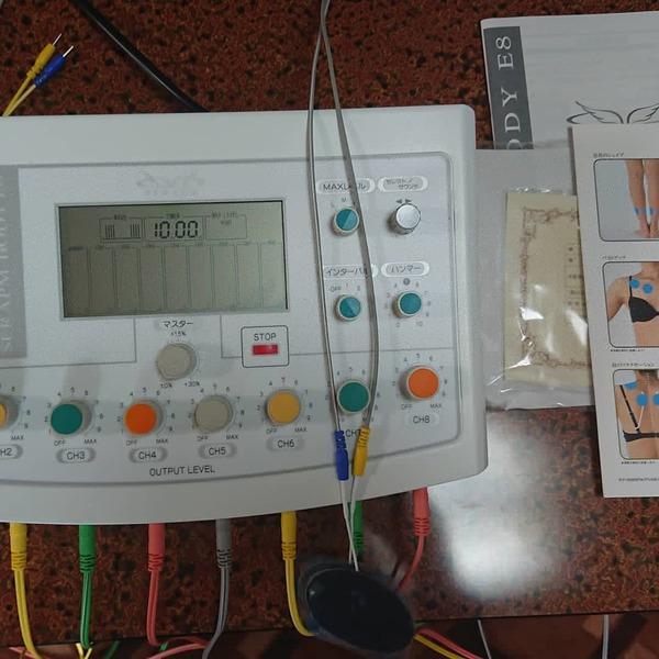 奈良県の整体院開業予定の先生にEMSマシン:セラピムボディE-8を納品させて頂きました。