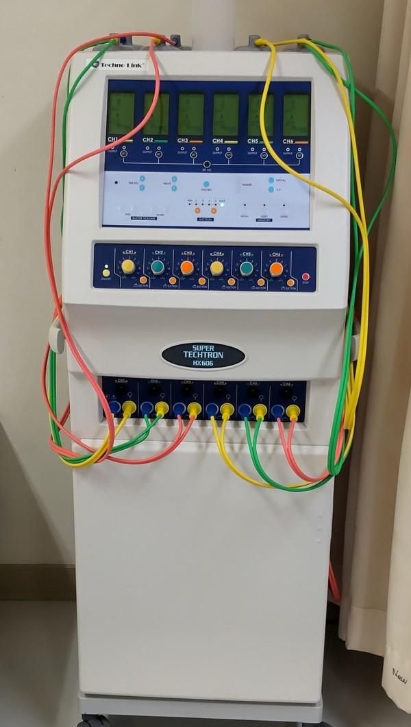 千葉県の医療機関さんへ中周波治療器スーパーテクトロンHX606を納品させて頂きました。